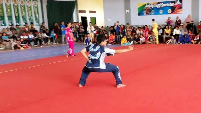 Aksi Aqila di Nomer Nan Quan Putri Senior. (gie)
