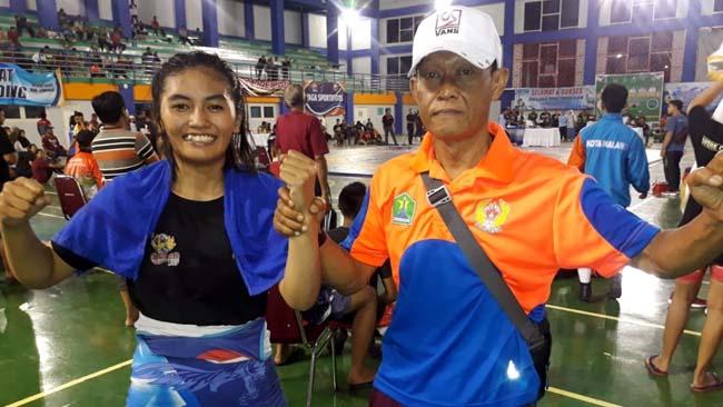 Laila dan Bekti, pelatih Gulat Kota Malang. (gie)